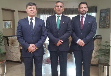 PIA Chief Executive Officer Air Marshal Arshad Malik with Ambassador of Uzbekistan to Pakistan Aibak Arif Usmanov and Ambassador of Pakistan to Uzbekistan Syed Ali Asad Gilani.